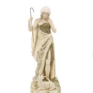 Royal Dux Statue of a shepherd woman - 60 cm - Porcelain